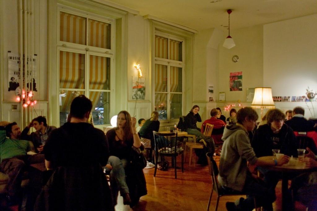 Temporäres Café in einem Atelier (Foto: Martin Waldmeier)