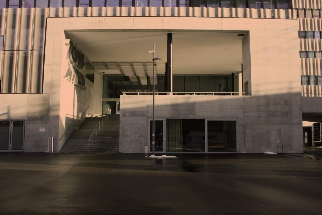 Haupteingang Toni Areal (Pfingstweidstrasse)